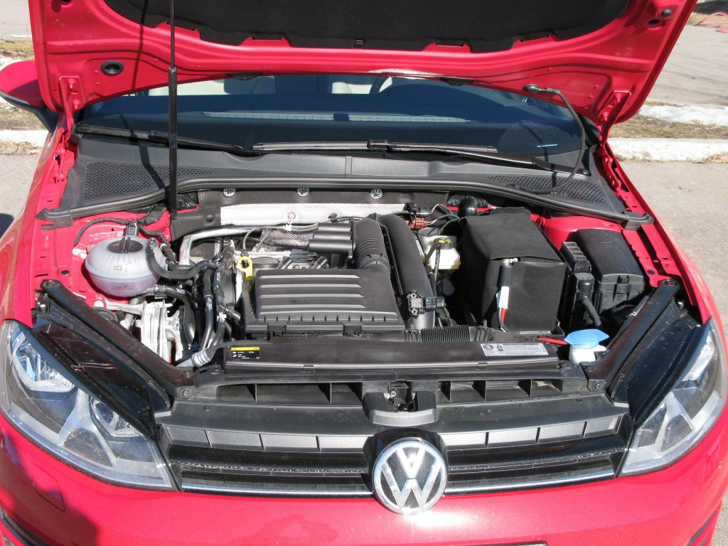 VW_Golf_7_engine